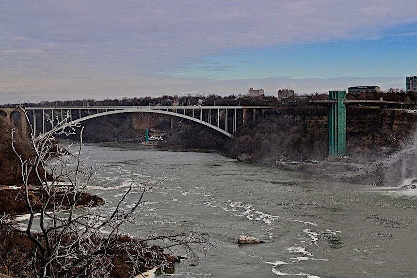 Most przy Wodospadzie Niagara