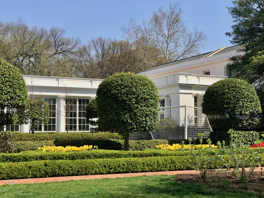 w ogrodach Białego Domu
