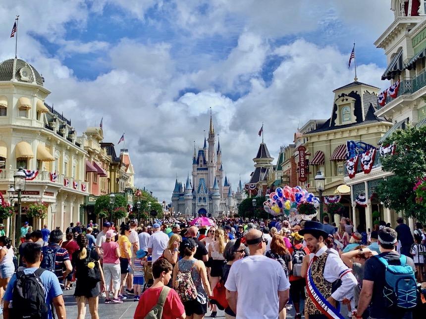 Jak przetrwać w Disney World w Orlando i nie paść na twarz?