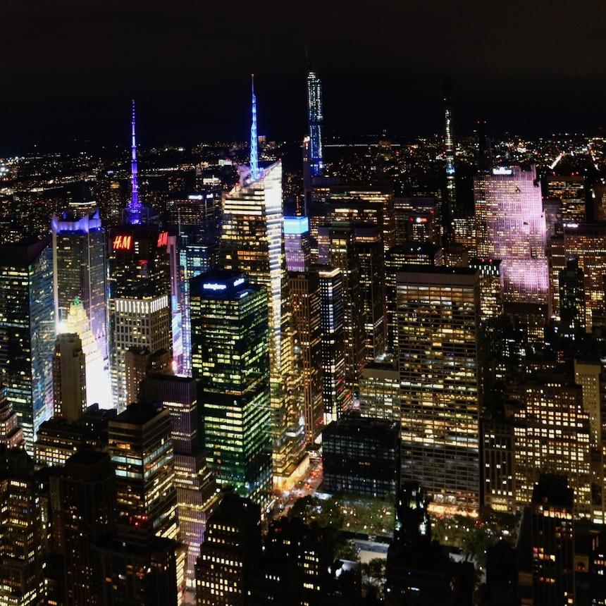 widok z Empire State Building nocą